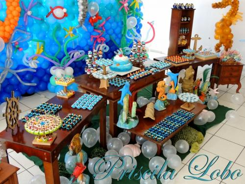 "Mesa decorada com doces personalizados ""Fundo do Mar"""
